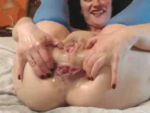 Rosebutt – Stunning brunette fantastic rosebutt anal closeup webcam