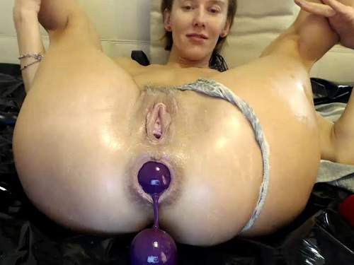 Close Up – Webcam milf bbmix996 big balls and dildos in ass to squirt