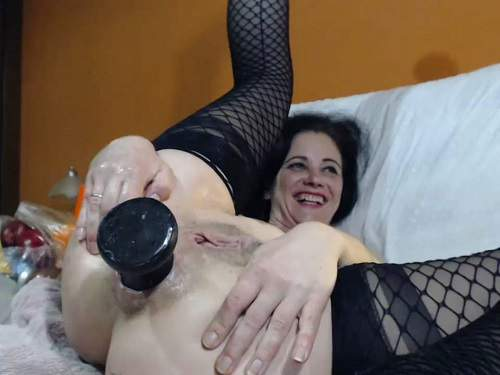 Closeup – Sexy milf Queenvivian penetration different big dildos in asshole gape – Release April 2, 2018
