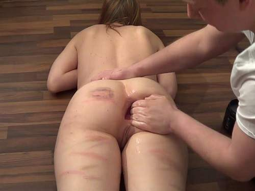 Closeup – JungesfetischpaarNRW gets monster butplug and fisting sex homemade