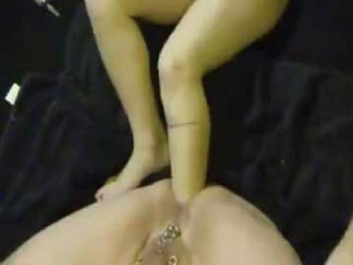 Foot Penetration – Amateur dirty wife footing domination to asshole her husband