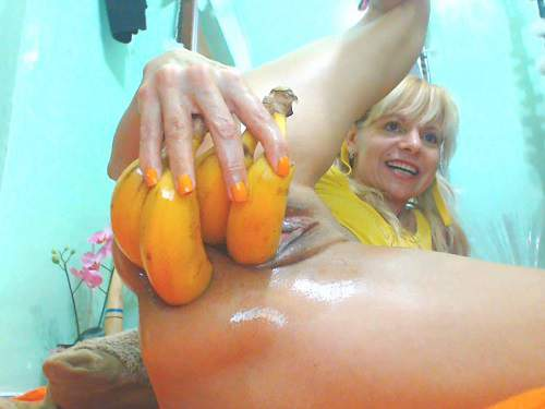 Mature Penetration – Hot horny mature vegetable porn and prolapse loose extreme closeup homemade