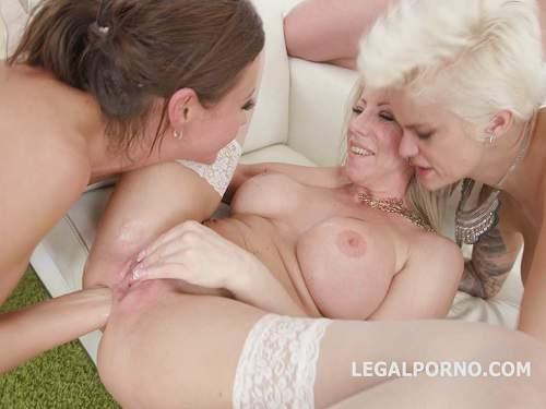 Anal Fisting – Tina Kay, Mila Milan and Lara De Santis anal fisting and dildo in rosebutt anus