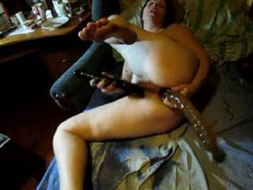 Anal Insertion – Amazing homamade russian mature double dildo penetration
