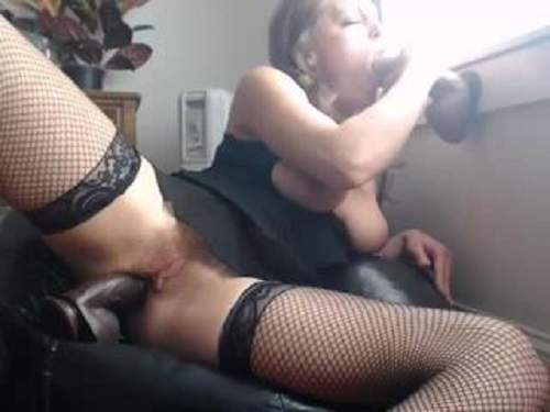 Double Penetration – Rare webcam with busty blonde double dildo penetration