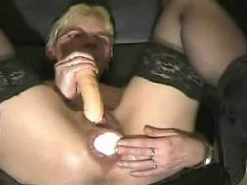 granny stretching her asshole gape,gaping anus loose,big dildo in pussy,crazy old wife anal stretching,rare video with granny