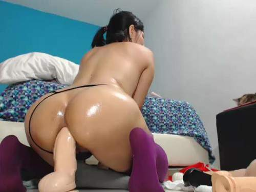 Dildo Anal – Exciting booty latin colossal dildo anal insertion