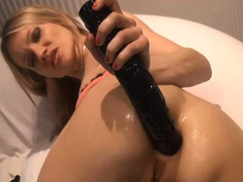 Huge Dildo – Dildo fuck in gape anal and fisting solo