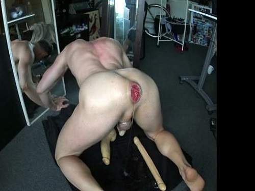 Gay Amateur – Gay fisting anal and loose huge rosebud anal