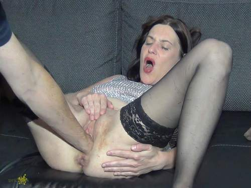 Pussy Fisting – Little anal rosebutt show after hard anal fists