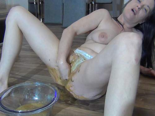 Pussy Insertion – Webcam Spritzigefee shitting fisting herself