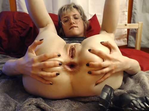 Anal – Webcam horny wife really giant dildo penetration anal to gape