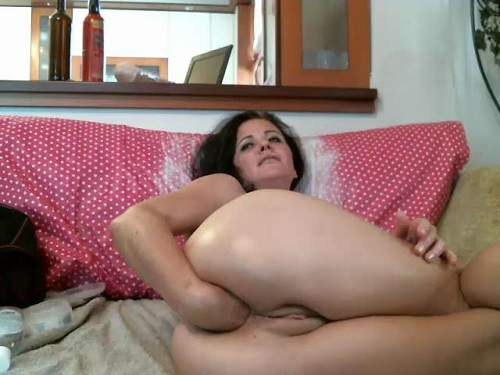 Saggy Tits – KinkyVivian solo vaginal fisting and big dildos rides
