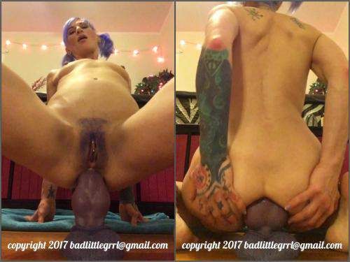 Bad Dragon Dildo – New 18.06.2017 Badlittlegrrl riding bruiser on a huge dragon dildos