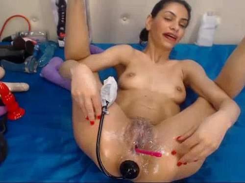Gape Ass – Webcam brunette double dildo and inflatable dildo fuck anal