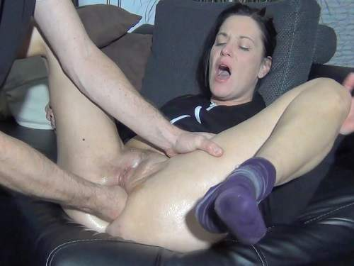 Anal Fisting – Spritzigefee gets anal fisted and loose anal rosebutt