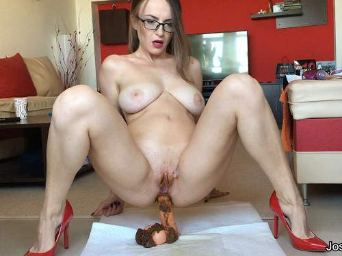 Josslynkane – Busty girl Josslynkane solo rides on a scat dildo – Release October 18, 2017