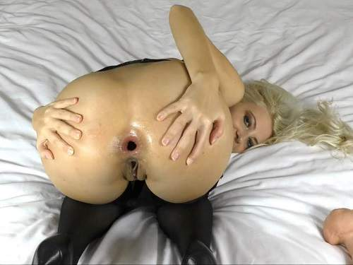 Gaping Asshole – Helena_Moeller solo fisting sex and dildo anal – Release January 2, 2018
