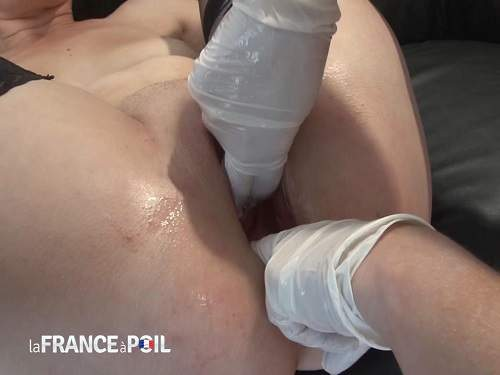 Double Fisting – Milfs double penetration hands in pussy and anal