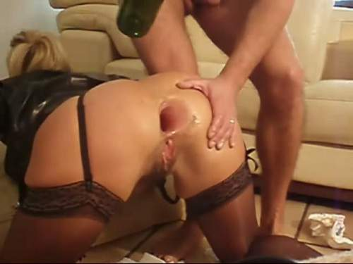 Gaping Anal – Hard fisting, gaping and bottle asshole penetration