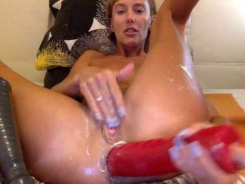Huge Dildo – Russian kinky wife Bbmix996 huge dildos insert in gaping anus