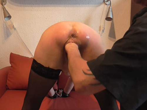 Gape Ass – Amateur fisting sex and loose little anal gape