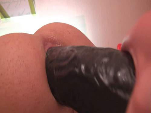 Amateur Femdom – Amateur wife penetration BBC dildo in gaping asshole her husband and handjob