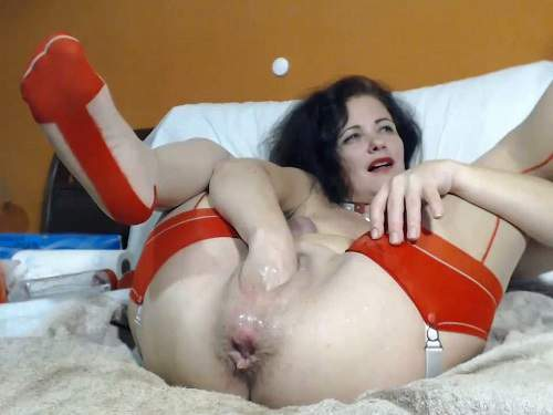 Anal – Webcam hot milf Queenvivian balls, dildo and bottle penetration in ass