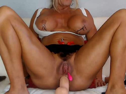Big Clit – Muscular mature with silicone tits dildo anal sex