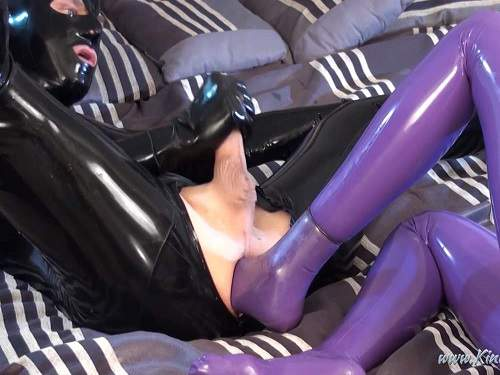 Footing – Rubber fetish footing anal femdom HD porn