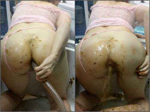 Amateur Scat – WCwife alien shit penetrates uterus part 2 in bloody period