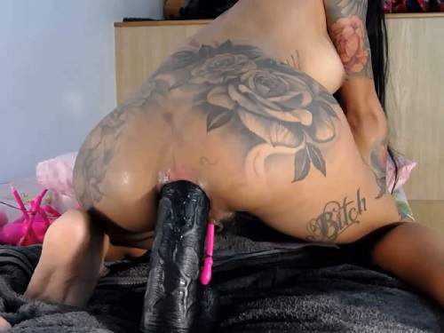 Tattooed – Webcam Asianqueen93 herself stretched rosebud after rough dildo sex