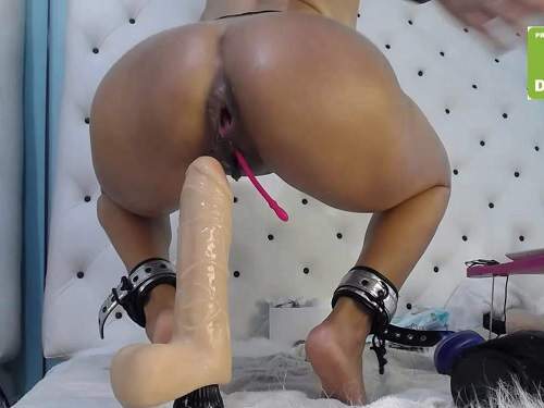 Ball Anal – Xxisabelaxxx with gag in throat rides on a huge dildos