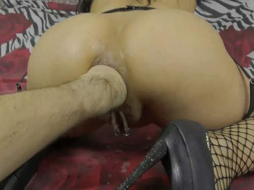 Pussy Piercing – Big ass hot wife with piercing pussy gets deep anal fisting and squirt