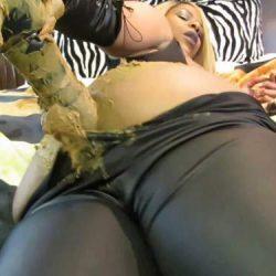 Solo Scat - Amateur fatty ebony girl ScatFreekzClub pussy on pussy