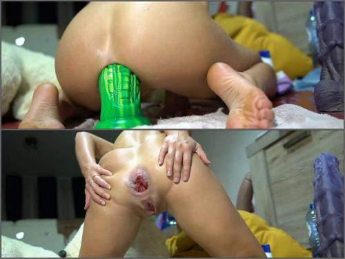 FullHD Porn – Bad dragon alien dildo insertion deeply in rosebutt anus with Siswet19