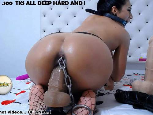Huge Dildo – Webcam xxisabelaxxx with gag in throat, ball in ass and rubber dildo in pussy