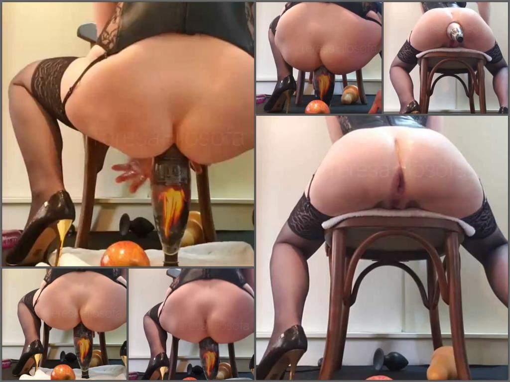 Teresa Filosofa bottle porn,Teresa Filosofa bottle rides,plastic bottle in ass,wife bottle sex,wife bottle porn,big ass wife