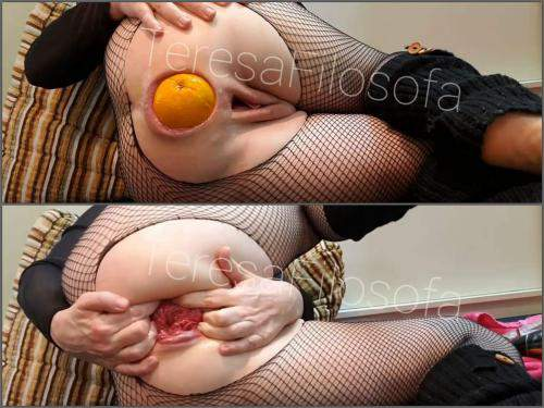 Booty Girl – TeresaFilosofa giant orange and fist insertion in ruined anal rosebutt