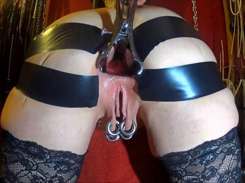 Pussy Piercing – Piercing pussy wife anal rosebutt loose after anal stretching