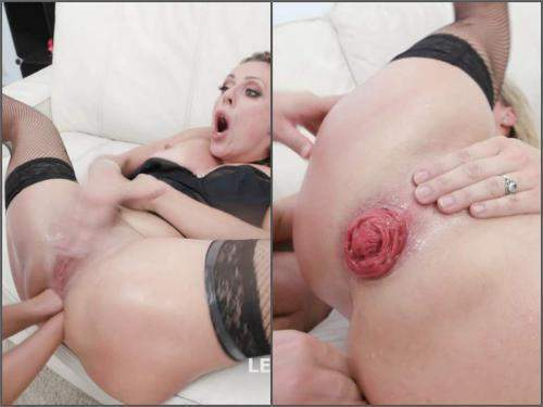 Brittany Bardot – Brittany Bardot and Nicole Black anal prolapse loose during fisitng DP