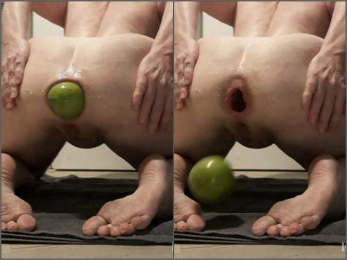 Teresafilosofa apple anal,apple anal,food porn,food sex,food masturbation,giant apple anal,anal gape loose,anal gape ruined,big ass wife porn