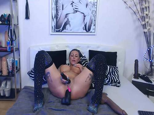 Busty Mature – Big tits tattooed MILF penetration many big dildos anal and vaginal