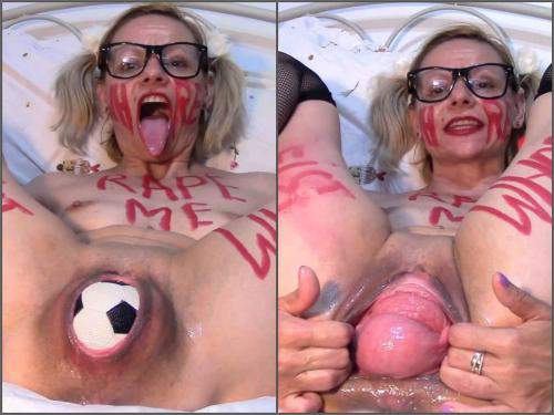 Solo Fisting – Kinky MILF ruined pussy prolapse with balls and fist – Premium user Request
