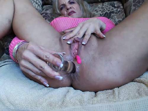 Webcam – Big clit muscular MILF musclemama4u dildo anal games