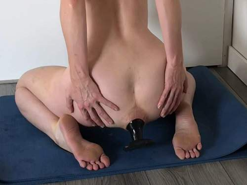 Gaping Anal – Radicalpainslut batgirl porn anal with giant butt plug