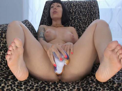 Colossal Dildo – Big tits pornstar little gaping hole loose with rubber big dildos