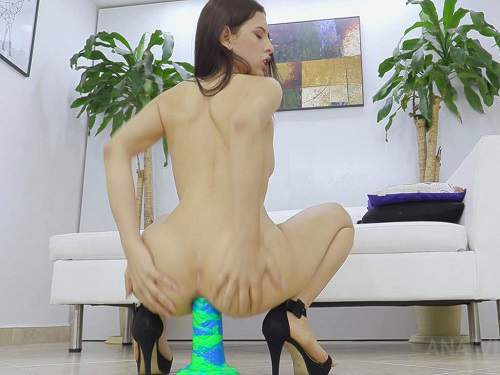 Dildo Porn – Latina Alicia Trece giant rubber bad dragon dildo anal rides