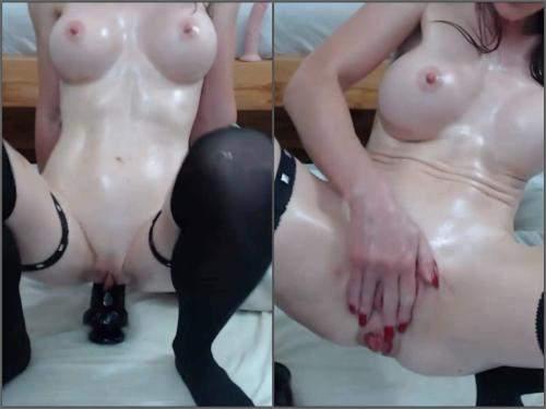 Rosebutt Loose – Silicone tits brunette show her sweet anal rosebutt