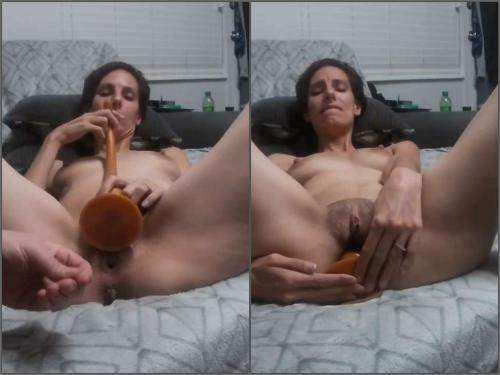 Amateur – Perverse skinny wife Tattoomama420 gets very long knot dildo fully in asshole